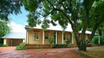 Joyce Farmhouse, the bungalow on Sydney's colonial frin...